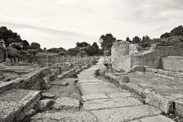 Glanum, Provence, 2005<br /> (From the series: &quot;Chemins millénaires&quot;)